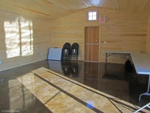 22. barn interior